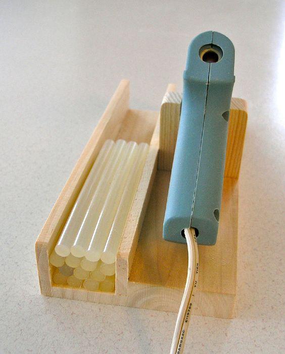 glue gun stand 4